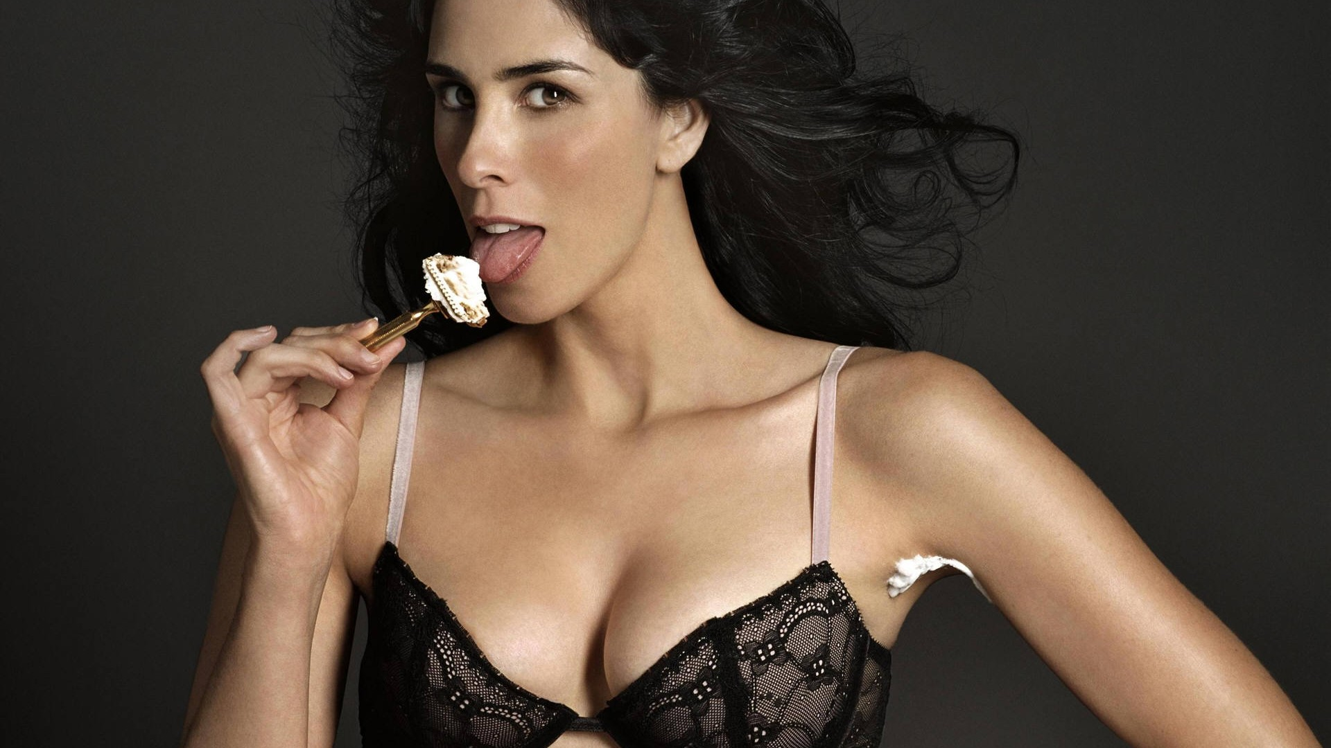 Sarah Silverman In Talks For 'A Million Ways To Die'